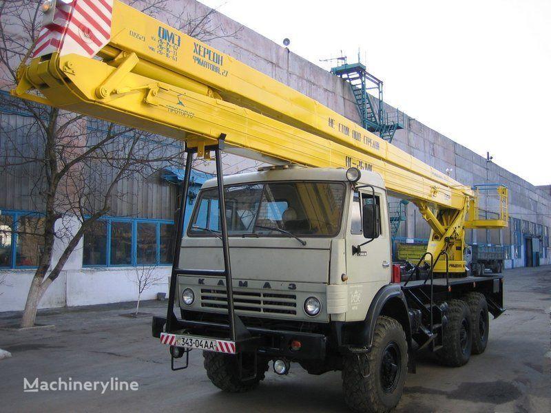 KAMAZ Arbeitsbühne-LKW