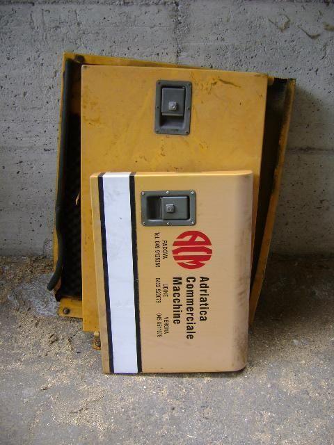 Cofani Ersatzteile für LIEBHERR 902 Bagger