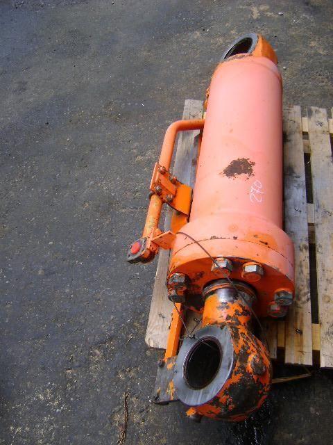 Kolben für FIAT Hitachi W 270 Bagger