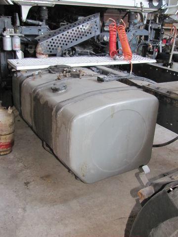 Kraftstofftank für RENAULT MAGNUM Sattelzugmaschine