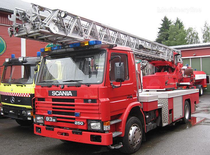 SCANIA P-93, 4x2WD Feuerwehrleiter