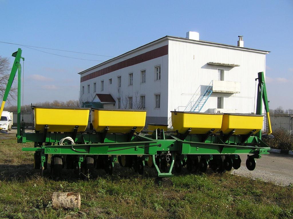 JOHN DEERE 7000 8 ryadnaya Mechanische Einzelkornsämaschine