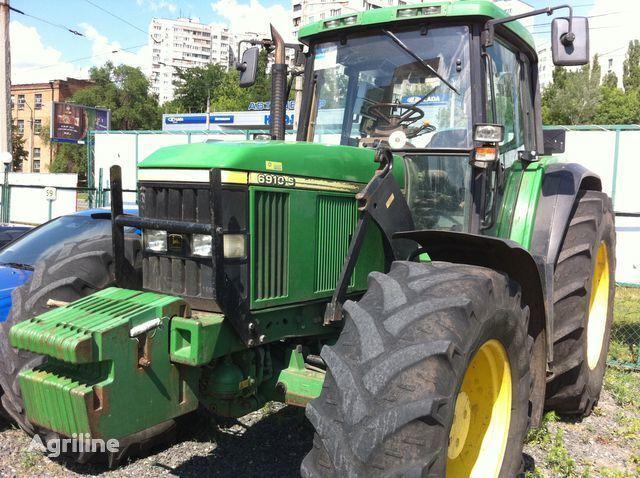 JOHN DEERE 6910 Radtraktor