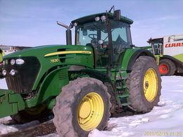JOHN DEERE 7830 Radtraktor