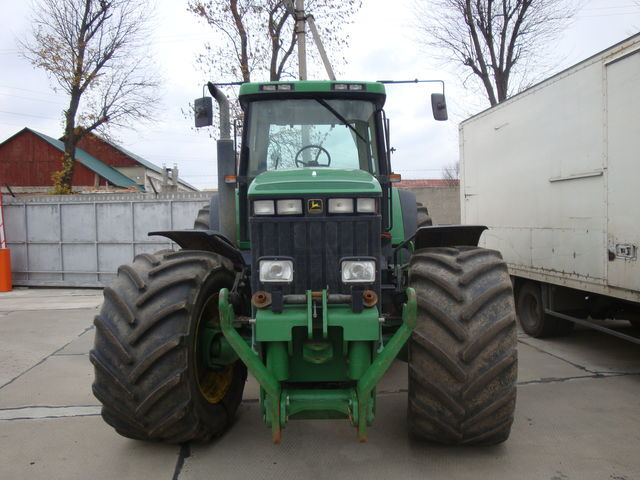 JOHN DEERE 8400 Radtraktor