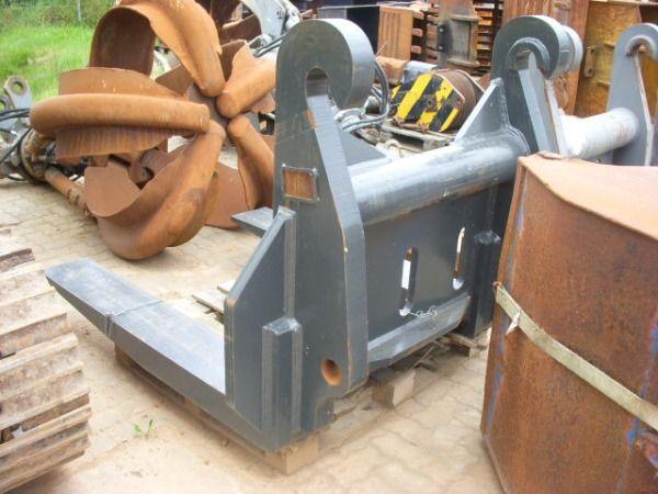 VOLVO (392) 28 t Steingabel / Stonefork Hubgabel