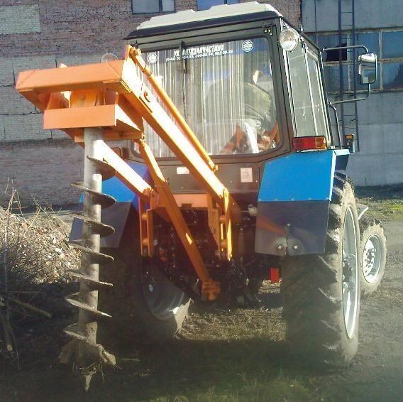 Yamokopatel (yamobur) navesnoy marki BAM-1.5 na baze MTZ 80/82 Andere Baumaschinen