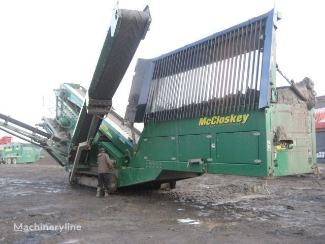 McCLOSKEY S130 - 3 deck Brechanlage