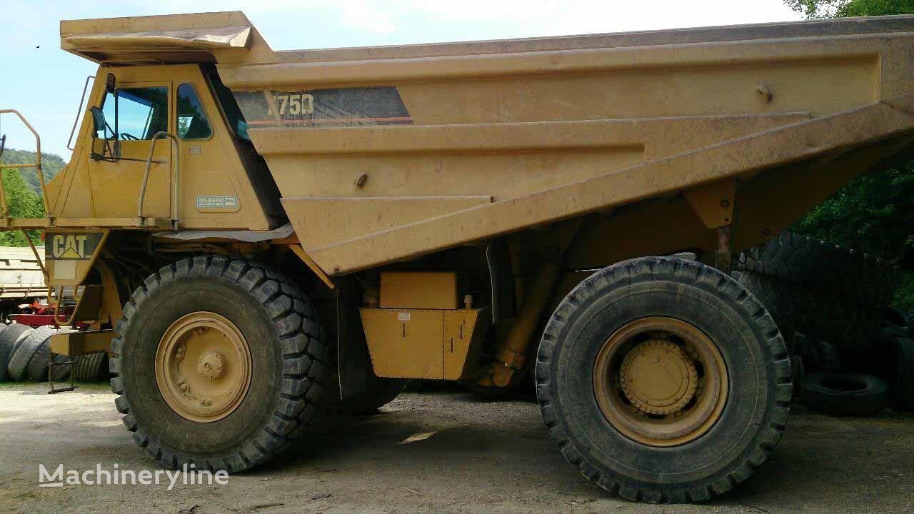 CATERPILLAR 775B Dumper starr