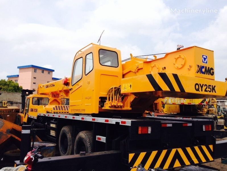XCMG QY25K Kranwagen