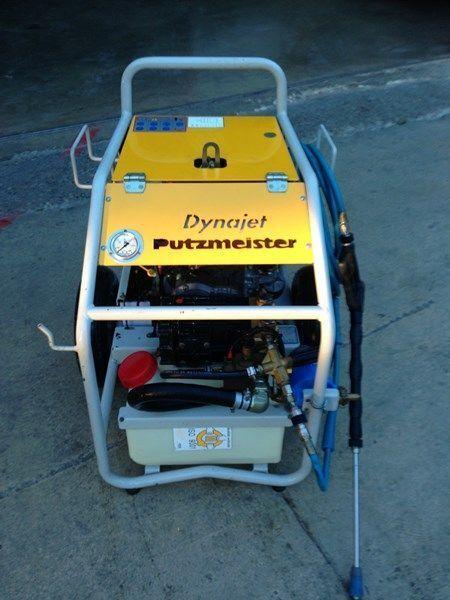 PUTZMEISTER putzmeister dynojet (maquina auxiliar para el plegado de plumas  Stationäre Betonpumpe