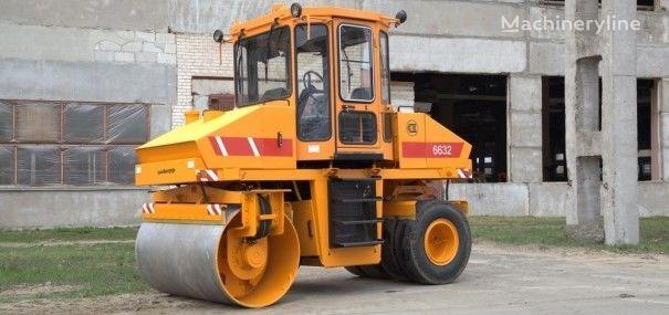 neue AMKODOR 6632 Straßenwalze