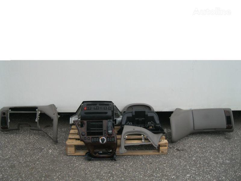 PRZEKŁADKA PRZERÓBKA KABINY Z ANGLIKA Abdeckung für DAF XF 105 Sattelzugmaschine