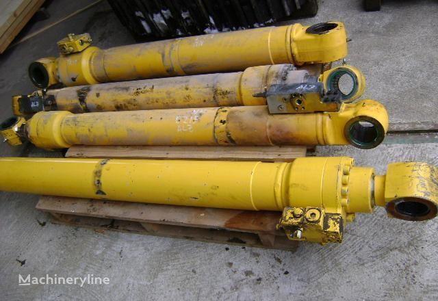 Kolben für NEW HOLLAND E 215 Bagger