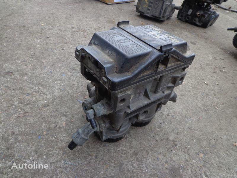 Knorr-Bremse Kran für RENAULT Magnum Sattelzugmaschine