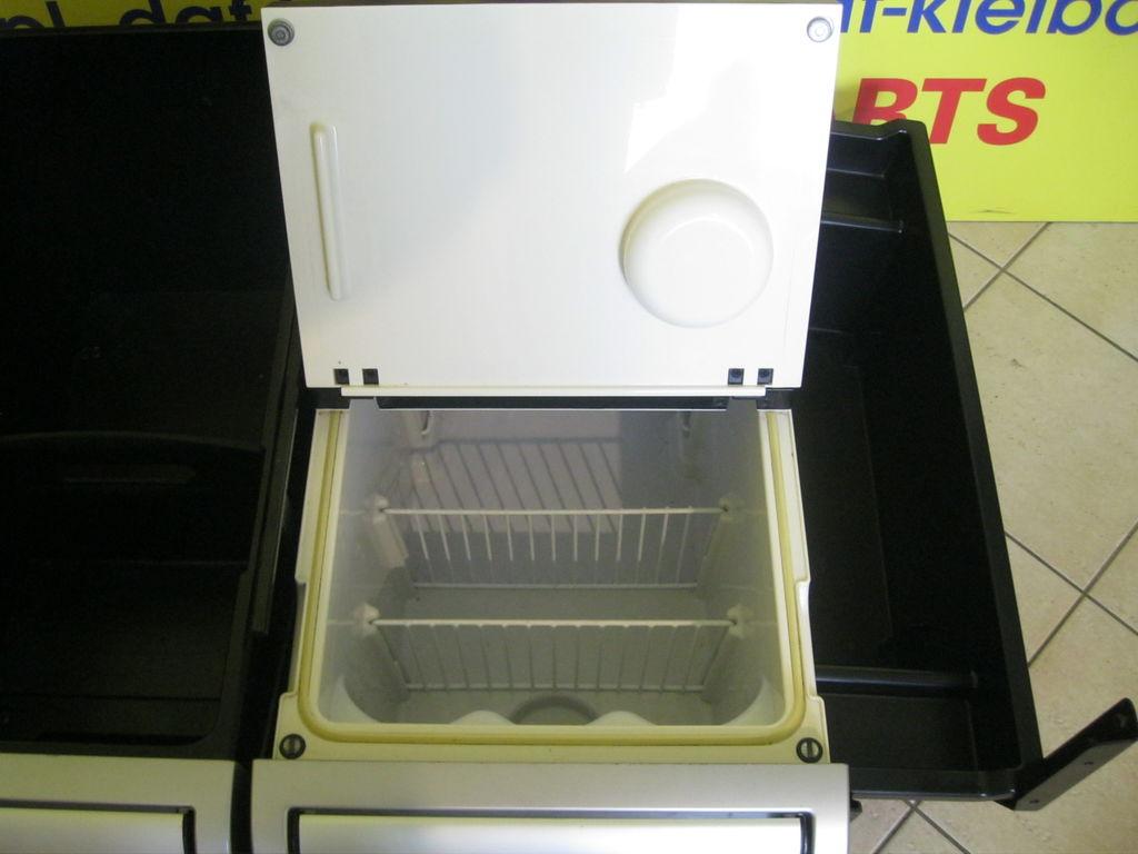 Verkauf von Kühlschränken für DAF XF 106 Sattelzugmaschine, Auto ...