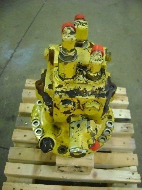 Motore di rotazione Schwenkmotor für KOMATSU PW 130 Bagger