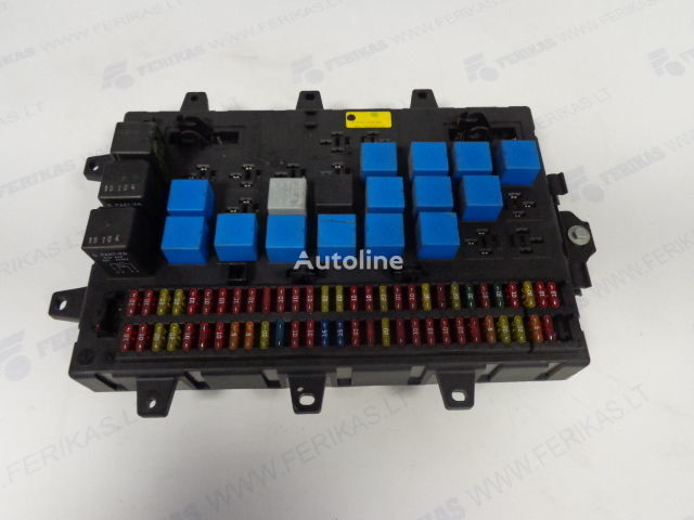 Fuse relay protection box  5010428876,5010231782,5010561943 Sicherungskasten für RENAULT MAGNUM Sattelzugmaschine