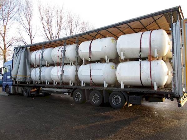 LPG / GAS GASTANK 2700 LITER Gastankauflieger