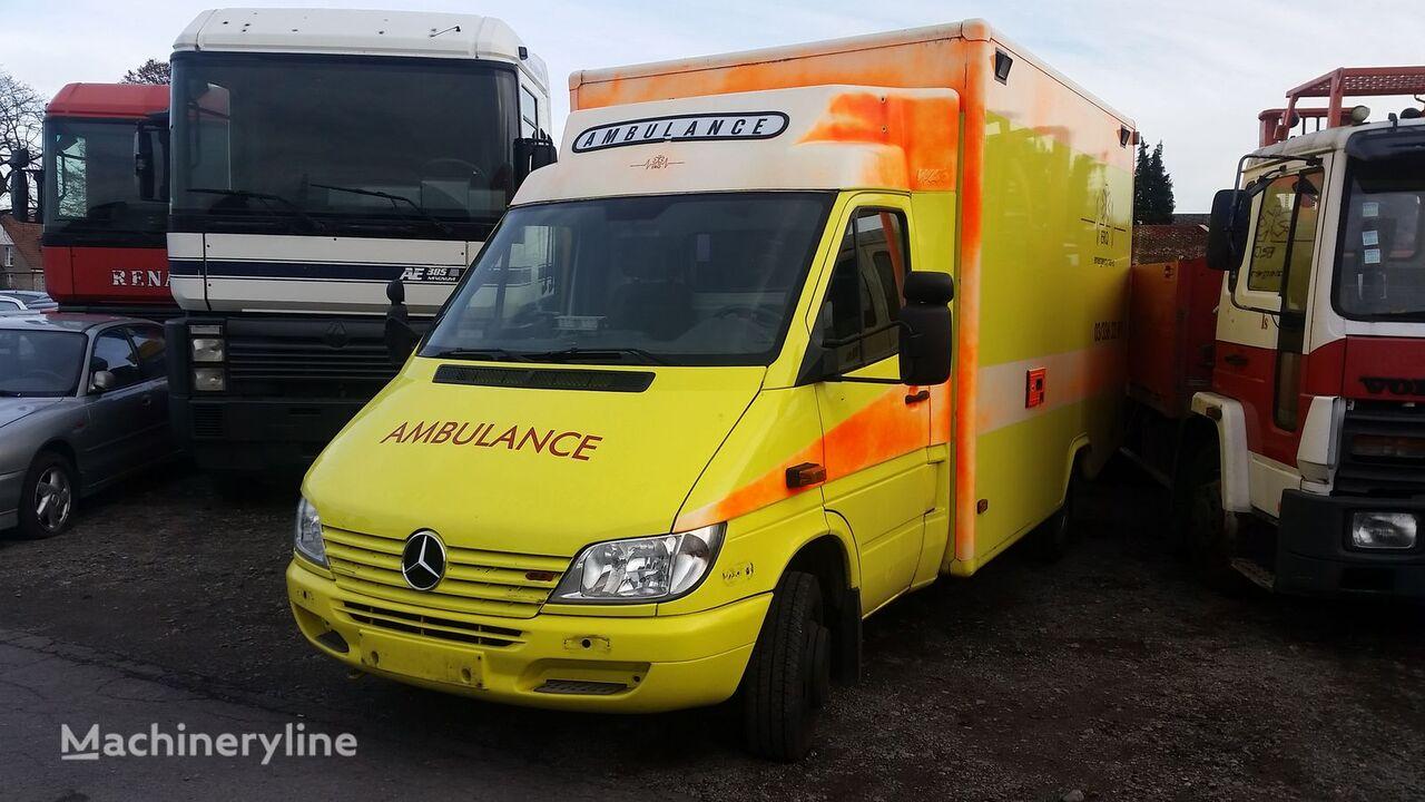 verkauf von sprinter 413 cdi rettungswagen krankenwagen. Black Bedroom Furniture Sets. Home Design Ideas