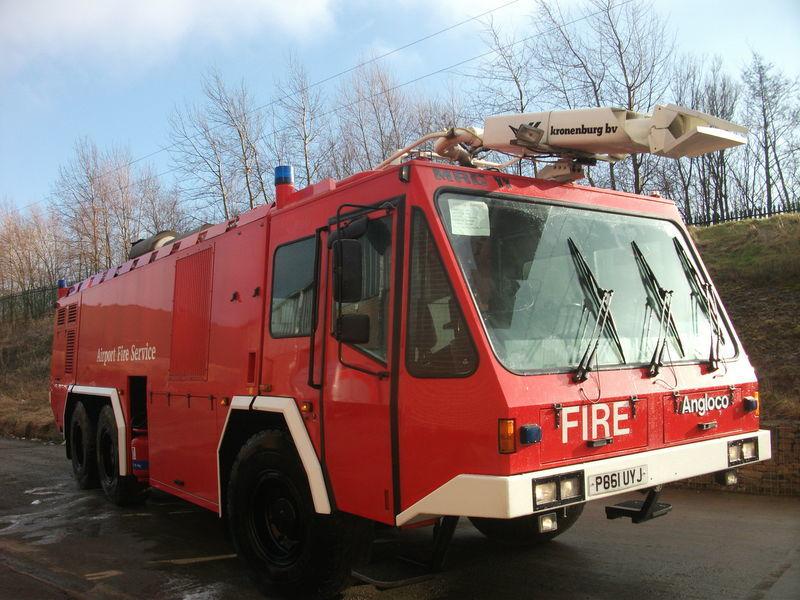 ## FOR HIRE # ANGLOCO AIRPORT FIRE FIGHTING VEHICLE / KRONENBURG Feuerwehrauto