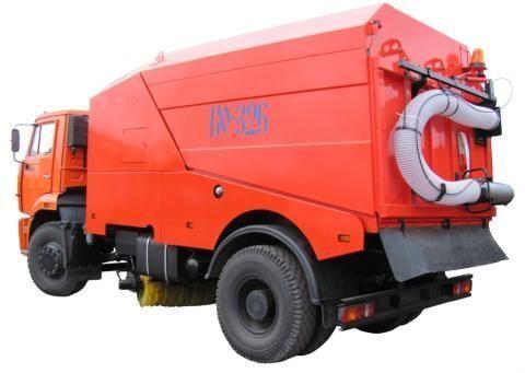 KAMAZ KO-326-02  Kehrmaschine