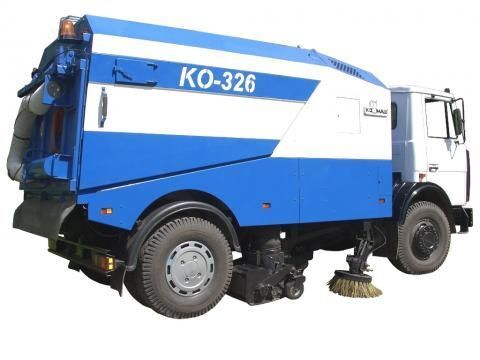 MAZ KO-326 Kehrmaschine