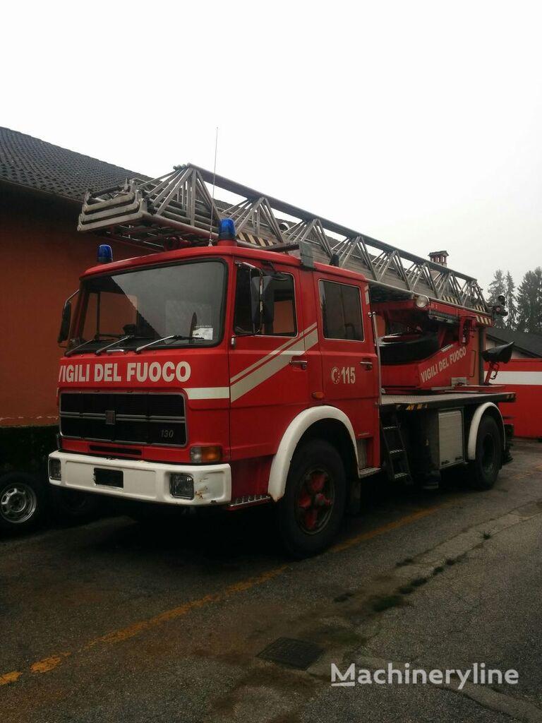 FIAT 130 NC/R Feuerwehrleiter