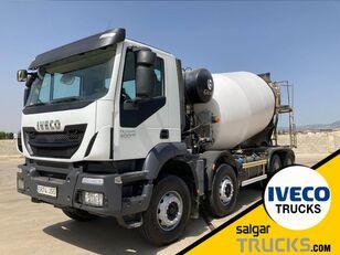 IVECO TRAKKER 400 Autotransporter