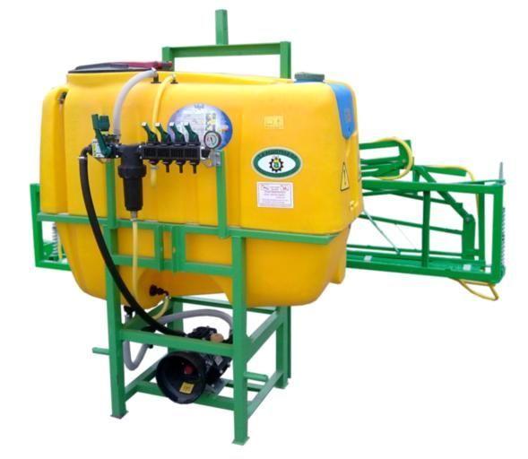 neue 300 l /10 m Anbauspritze