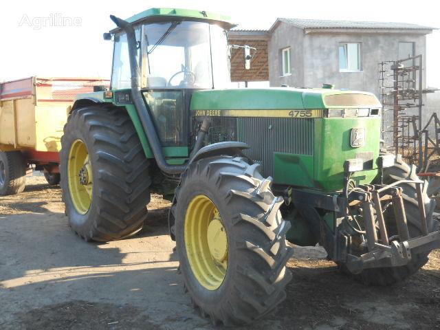 JOHN DEERE 4755 Radtraktor