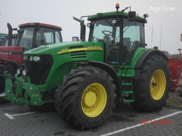 JOHN DEERE 7820 Radtraktor
