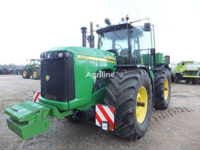 JOHN DEERE 9520 Radtraktor