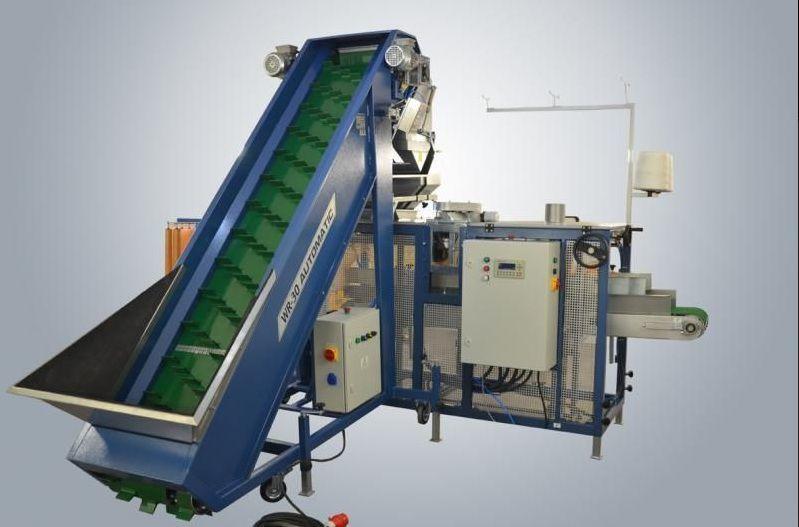 Vesovoy dozator dlya ovoshchey+upakovshchik v rashel-meshki Verpackungsmaschine