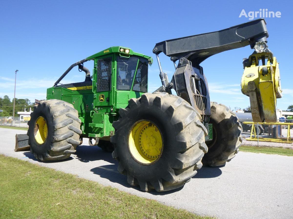 JOHN DEERE 848L Forsttraktor