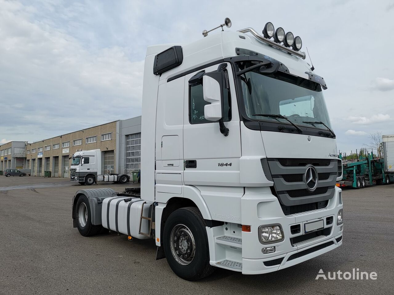 MERCEDES-BENZ 1844 *331L71* 4 units Sattelzugmaschine